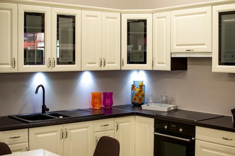 decorating kitchen