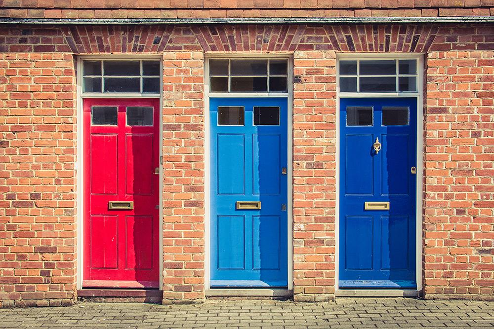 Tips For Updating a Front Door With a Fresh New Color